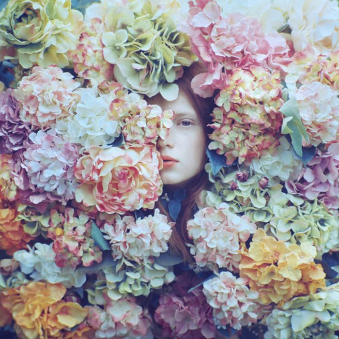 В цветах. Автор фото: Олег Оприско.