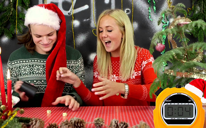 Не знаешь, что делать с дурацкими подарками на Новый Год? — Играй в «Паккелай»!