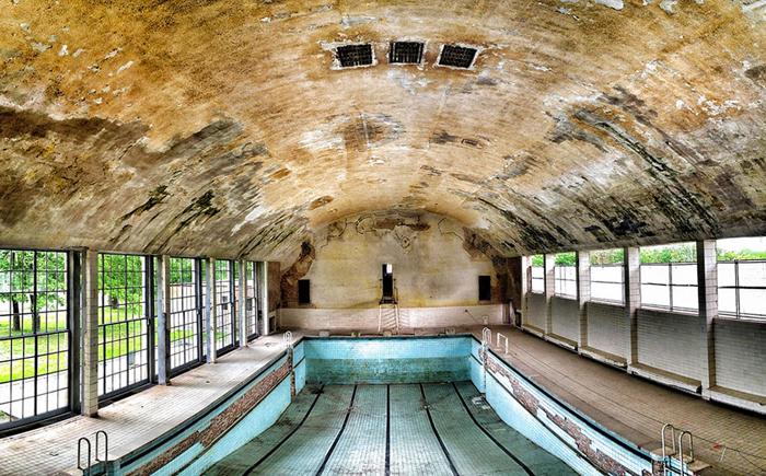 Бассейн, построенный 80 лет назад.