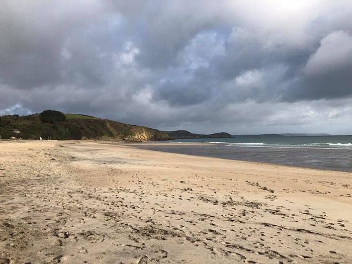 Очищенный пляж.