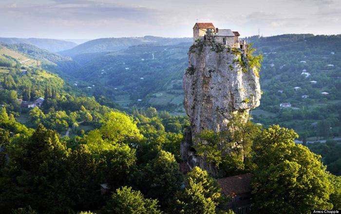 Столп Кацхи в Грузии.