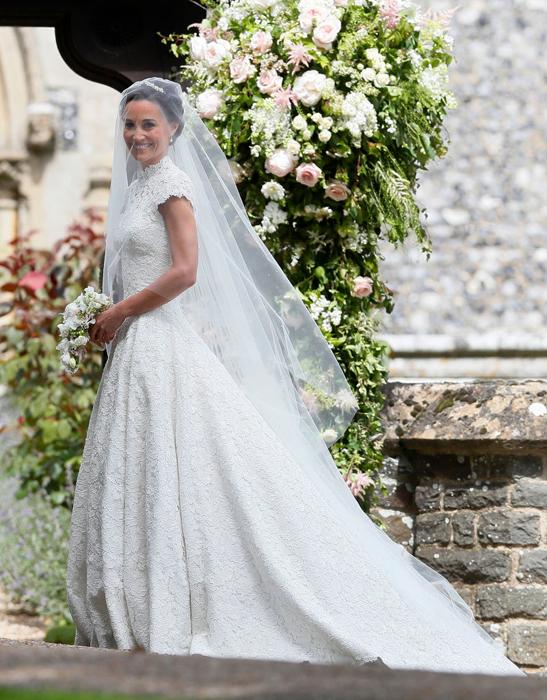 Свадебное платье невесты.