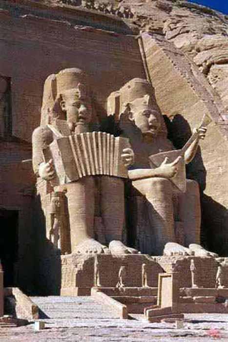 Большинство египетских гробниц было обворовано несколько веков назад.