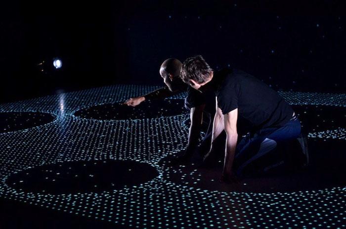 Интерактивное шоу и танцы.