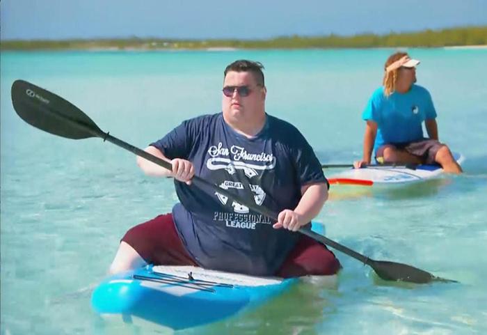 Некоторые из приглашенных гостей никогда до этого не были на пляже.