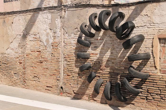 Шинные композиции в Барселоне.