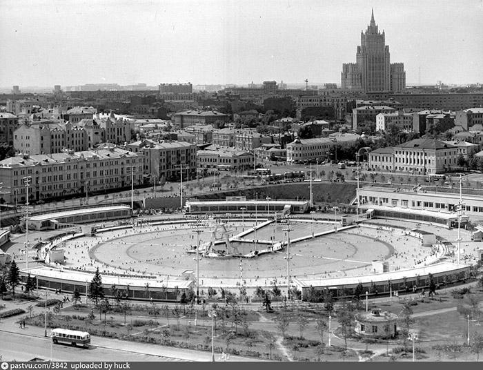 Бассейн Москва.