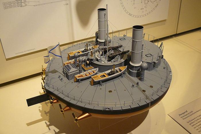 Модель броненосца *Новгород*.