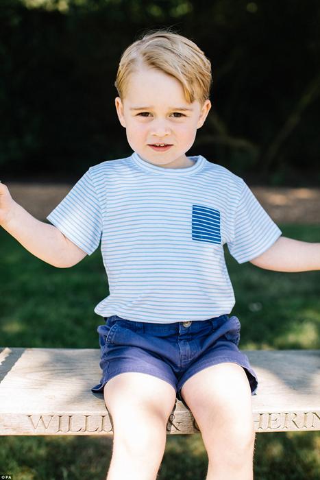 Фотосессия принца Джорджа к его третьему дню рождения.