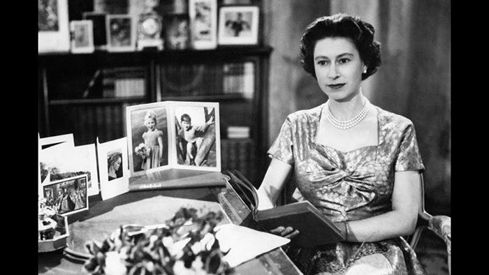 1957 год - первая запись рождественской речь по телевидению.