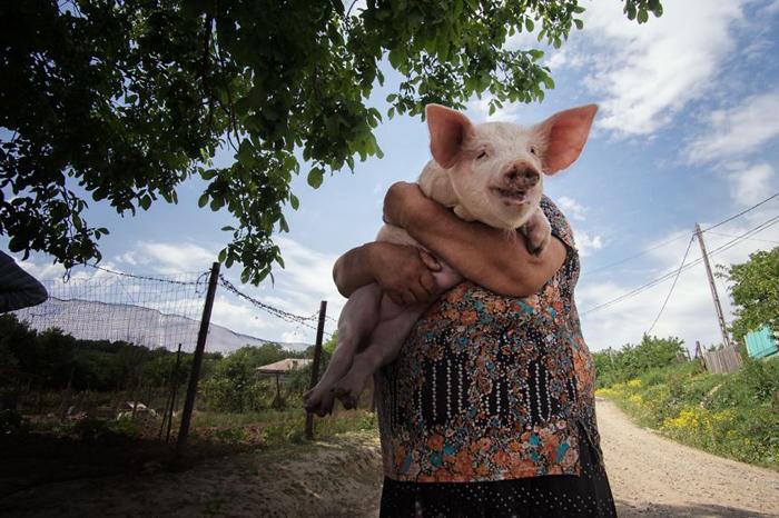 Улыбающаяся женщина. Автор фото: Radu Mihai Iani.