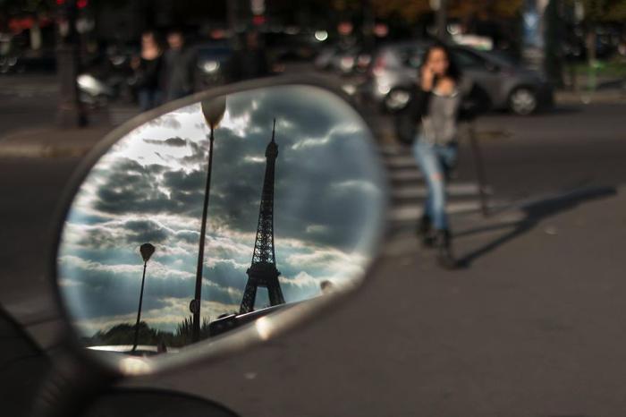 Тем временем в Париже. Автор фото: Radu Mihai Iani.