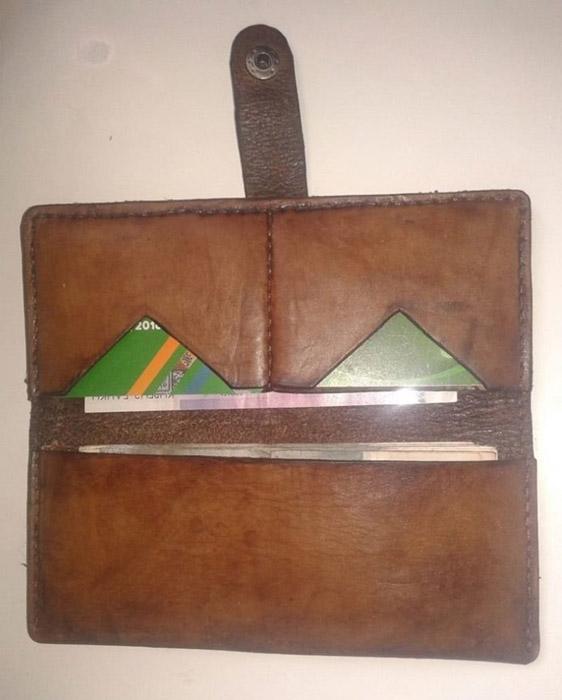 Бумажник ручной работы.