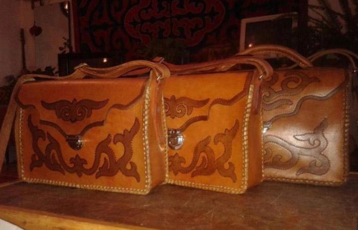 Сейчас сумки Рахатбека продаются не только в родном Кыргызстане, но и за рубежом.