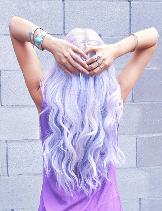 Пастельный голубой волосы