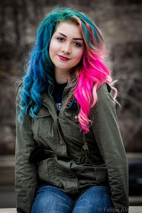 Голубой и розовый.