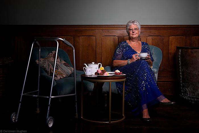 Из-за рассеянного склероза Барбара часто теряет баланс и может показаться, будто она пьяна.