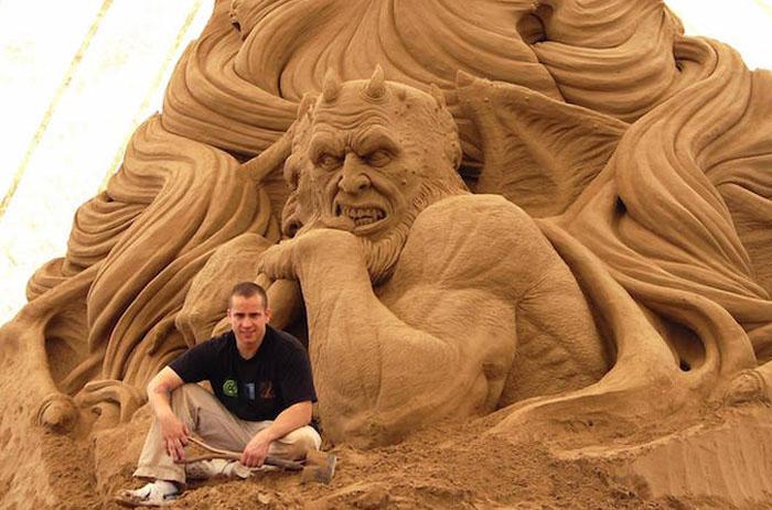 Ray Villafane и его скульптуры из песка.