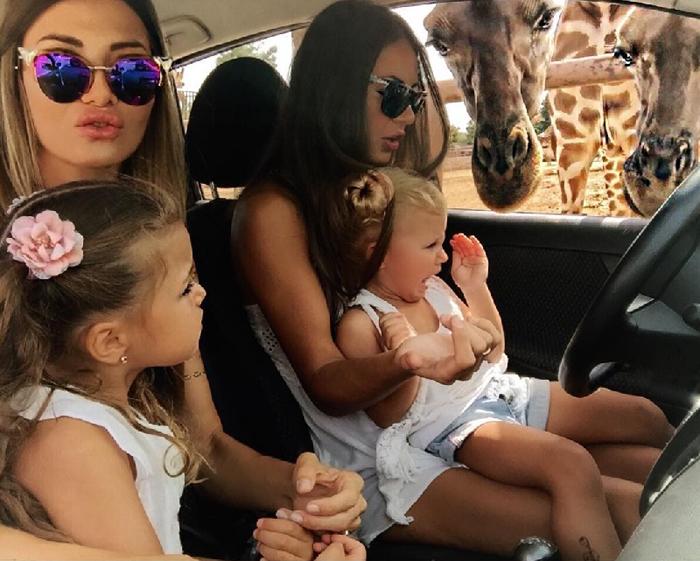 С дочкой и внучками. Instagram realfashionist.