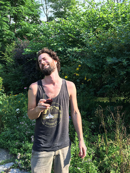 Настало время пить винишко!  Instagram stevey.wander.
