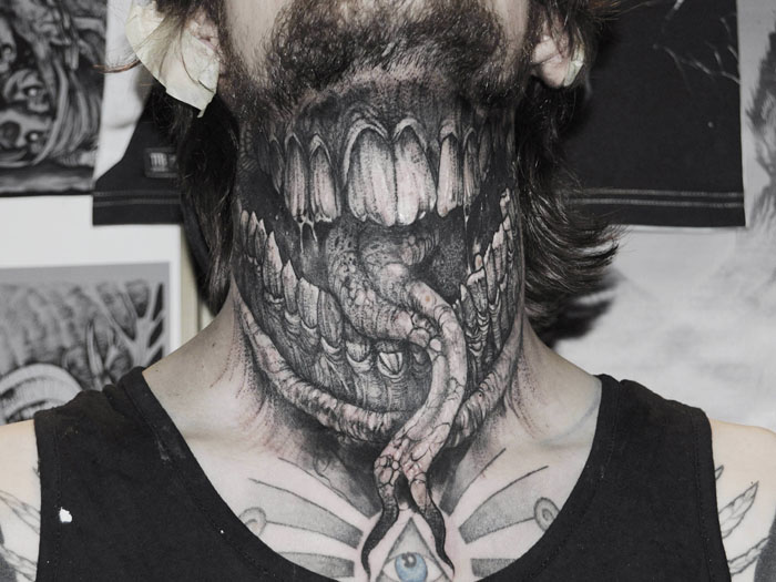Мрачные татуировки от венгерского тату-мастера Роберта Борбаса.