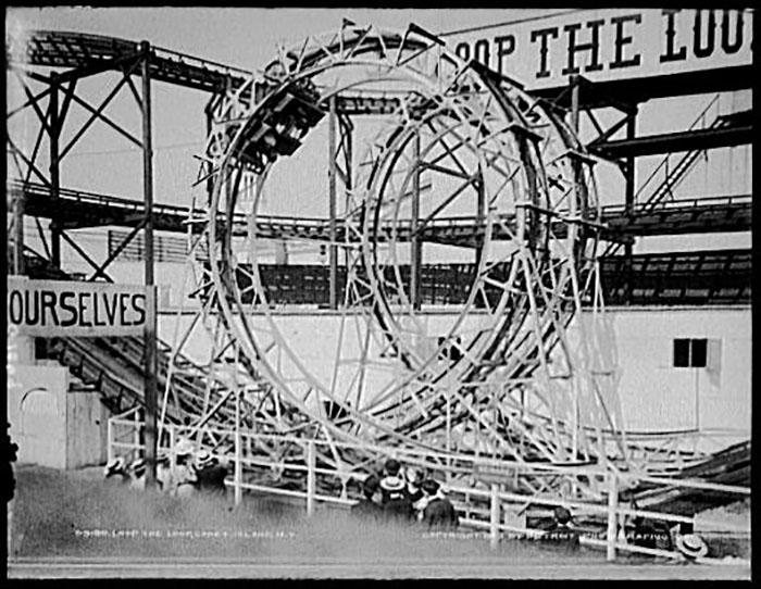 Инновация на аттракционе Томпсона, Кони-Айленд, 1903.