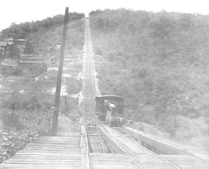 Вагонетка на дороге угольной шахты в Мауч-Чанк.