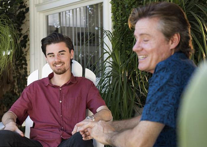 Джейк - единственный ребенок Майка, который знал о его существовании большую часть своей жизни.