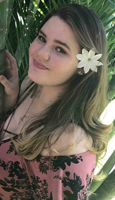 Еще одна дочь - Прешес Гепфорд живет на Гавайи.