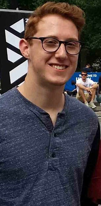Кевин Баден-Винтервуд учится в университете Тампы.