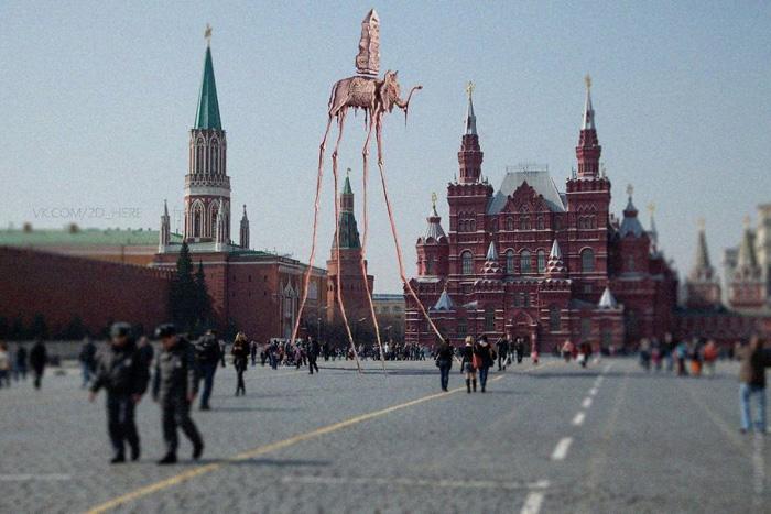 Увидеть все - не пропустить ничего. Сальвадор Дали в Москве.