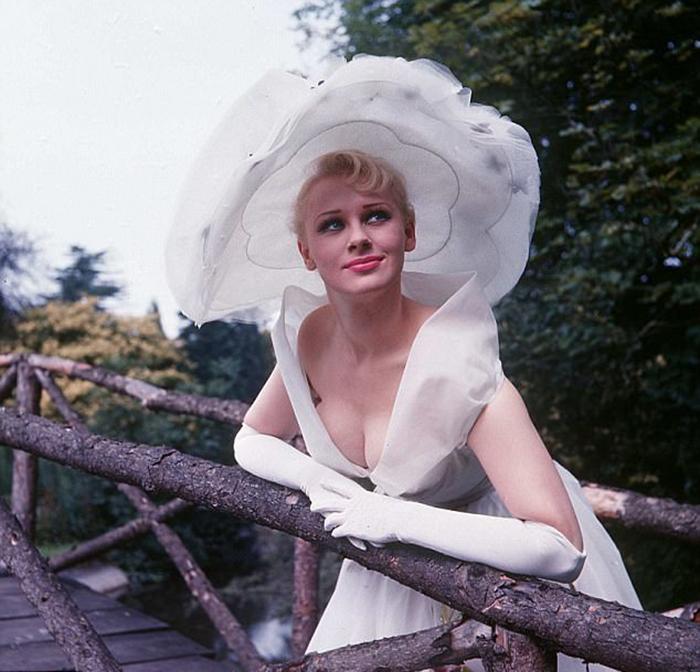 Сабрина в июле 1957 года.