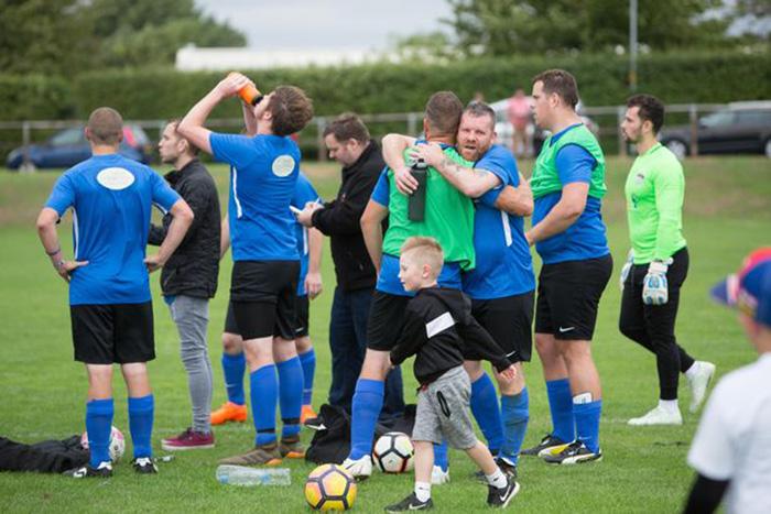 Необычная футбольная команда из Британии.