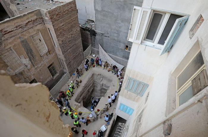 Саркофаг нашли во время копания грунта под фундамент нового здания.