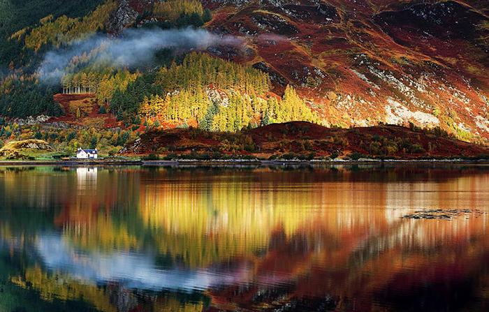 Кристально чистая вода в местных озерах.
