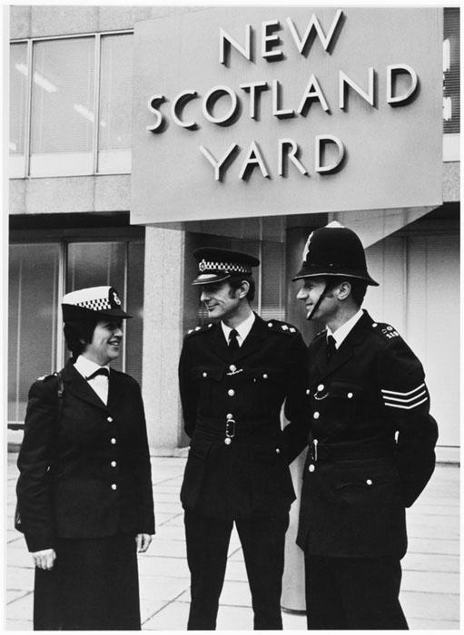 Полиция Скотленд-Ярда.