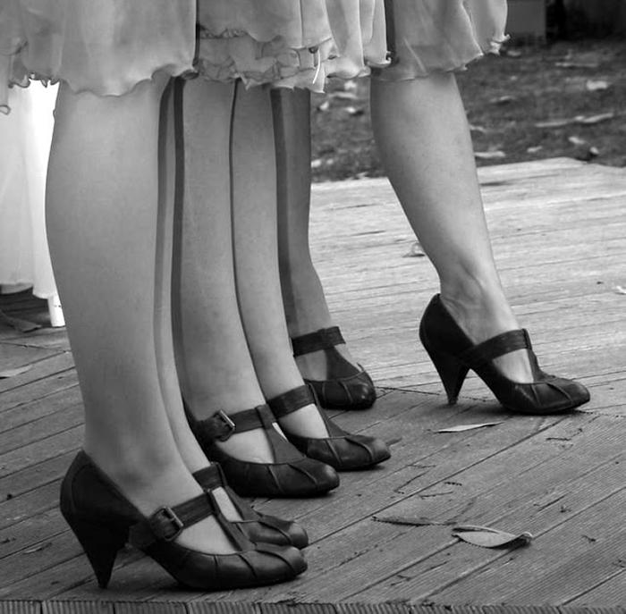 Туфли с Т-ремешком.