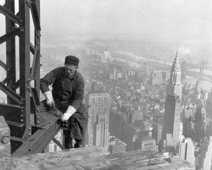 Строительство небоскреба в Нью-Йорке.