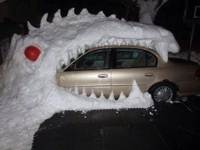 Шеф, меня сегодня не будет, мою машину съела Годзилла!