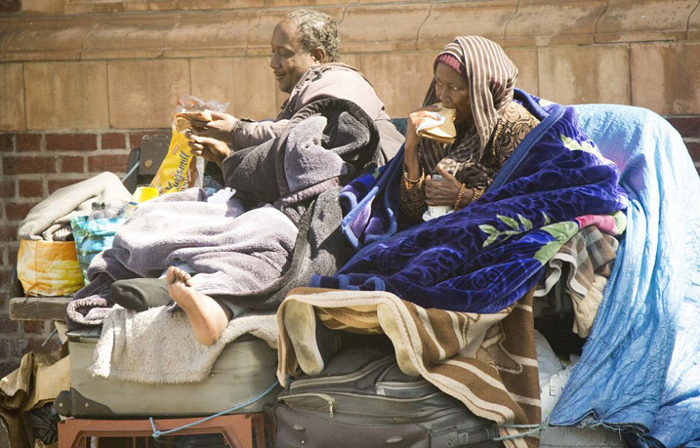 Семья из Сомали три года живет на улице, отказываясь переселяться к квартиру