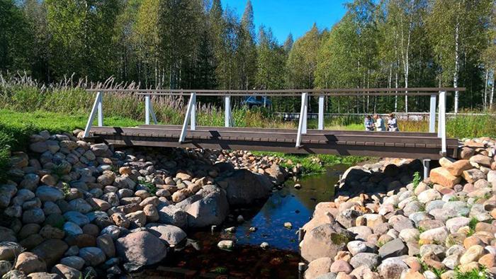 Первый пешеходный мост через Волгу.