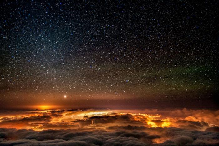 Небо над облаками.