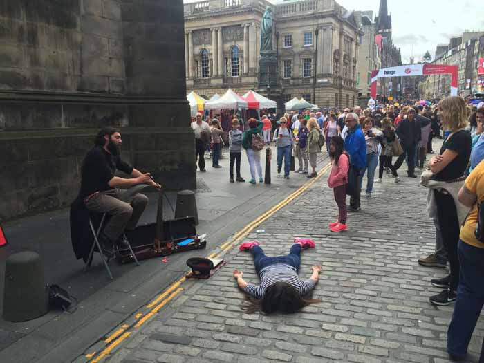 На фестивале в Эдинбурге. Instagram stefdies.