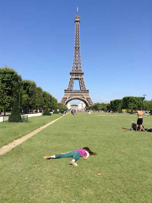 С лучшим видом на Эйфелеву башню. Instagram stefdies.