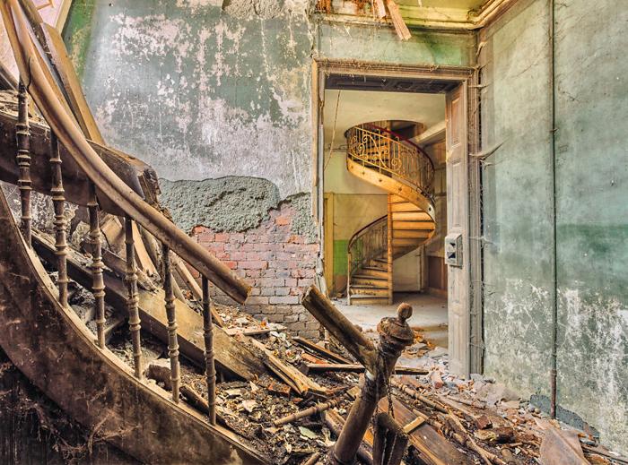 Разрушенные здания в объективе Кристиана Рихтера.