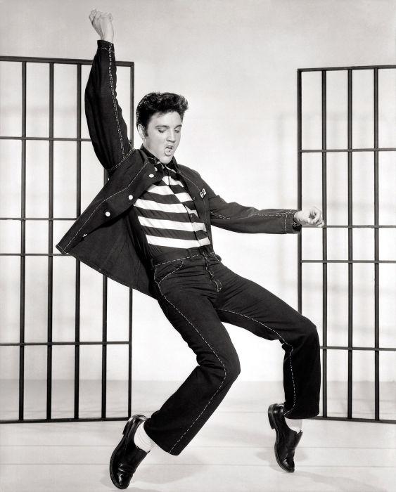 Американский певец Элвис Пресли.