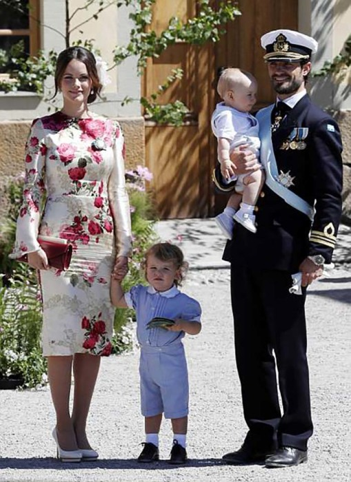Брат Мадлен - принц Карл Филип со своей семьей.