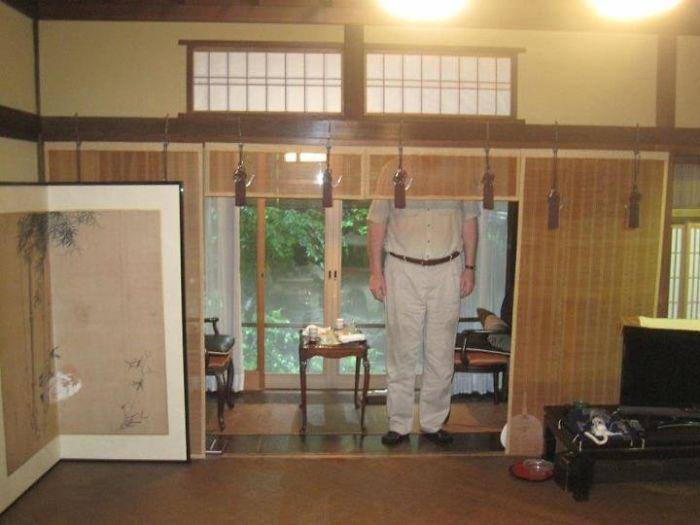 Мой двухметровый отчим на этой неделе впервые посетил Японию.