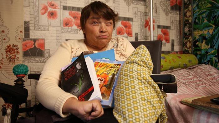 Тамара Черемнова со своими книгами.