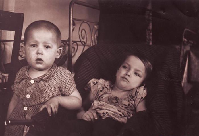 Тамара со своим братом.